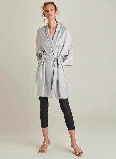 Monamoda Metalik Kumaşlı Kimono Gri